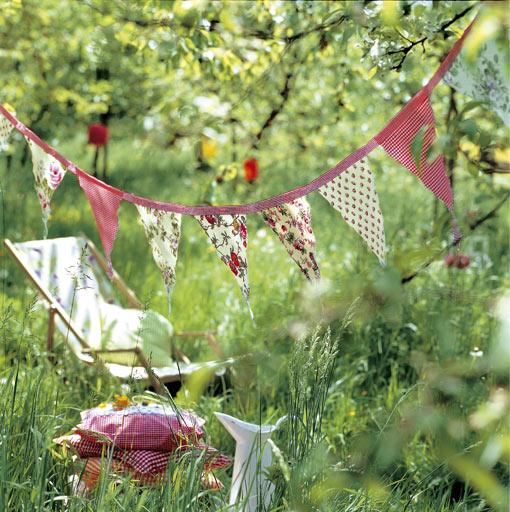 Guirnalda en el jardín