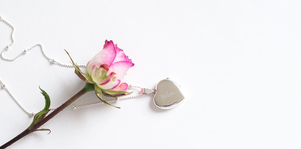 joyas grabadas para madres y abuelas