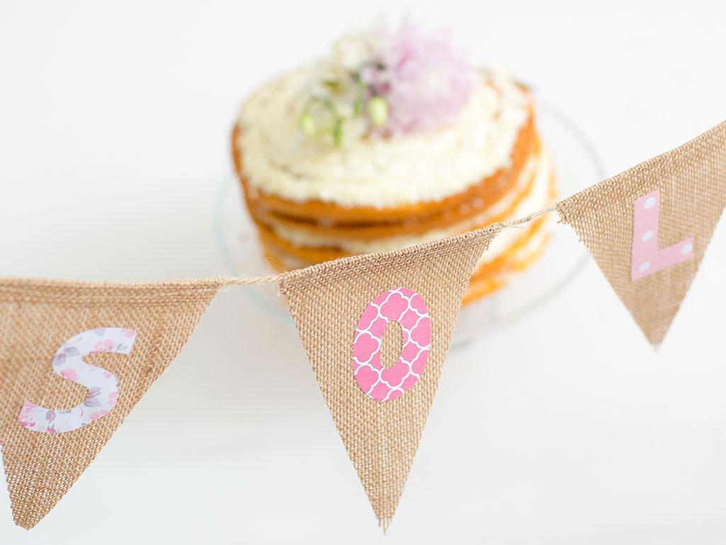 sesion de fotos con pastel de cumpleaños