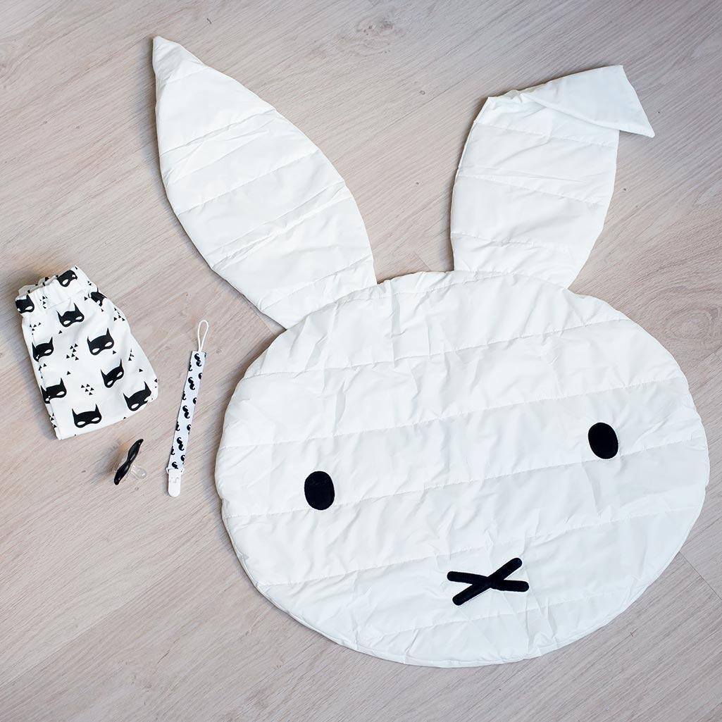 alfombra conejo para bebés