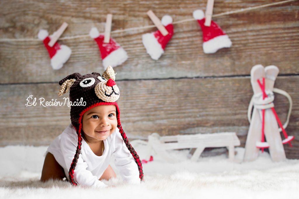 Sesiones de fotos de navidad para niños y bebés en Madrid. Gorro ganchillo